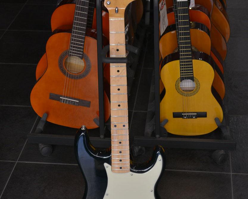 Chitarra elettrica Morris 1982 (usato)