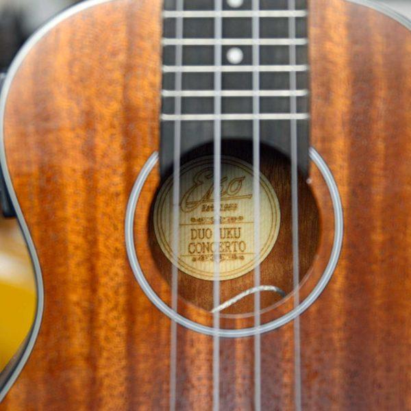 Ukulele EKO Serie Duo Concerto Mogano, elettrificato, con equalizzatore e tuner