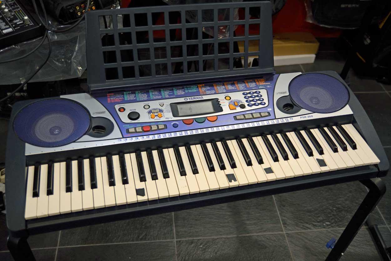 Tastiera Yamaha PSR-260 (usato)