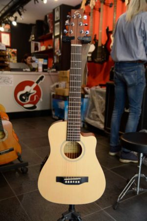 Chitarra acustica travel elettrificata SoundSation